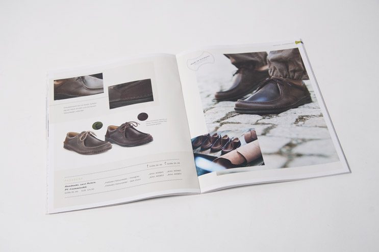 Footprints catalog shoes layout